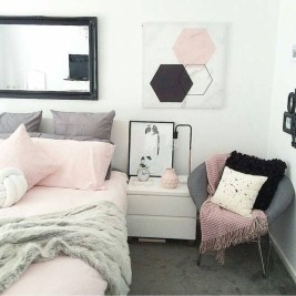 Fabulous White Bedroom Design In The Small Apartment 12