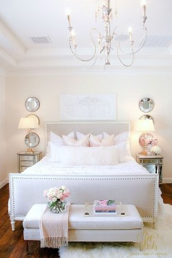 Fabulous White Bedroom Design In The Small Apartment 17