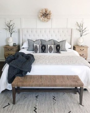 Fabulous White Bedroom Design In The Small Apartment 25