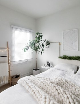 Fabulous White Bedroom Design In The Small Apartment 27