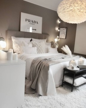 Fabulous White Bedroom Design In The Small Apartment 43