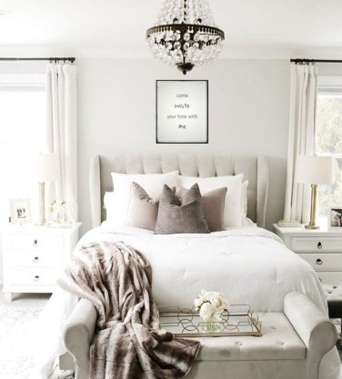 Fabulous White Bedroom Design In The Small Apartment 48