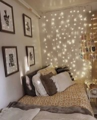 Pretty DIY Fairy Light Ideas For Minimalist Bedroom Decoration 01