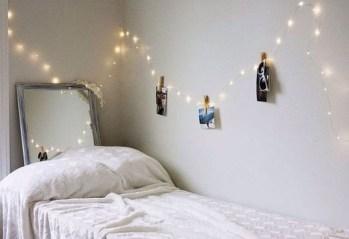 Pretty DIY Fairy Light Ideas For Minimalist Bedroom Decoration 05