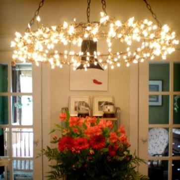 Pretty DIY Fairy Light Ideas For Minimalist Bedroom Decoration 24