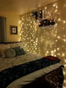 Pretty DIY Fairy Light Ideas For Minimalist Bedroom Decoration 37