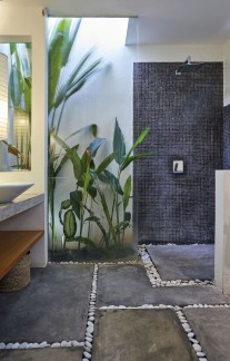 Spectacular Outdoor Bathroom Design Ideas That Feel Like A Vacation 01