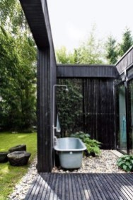 Spectacular Outdoor Bathroom Design Ideas That Feel Like A Vacation 10