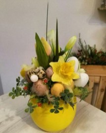Astonishing Easter Flower Arrangement Ideas That You Will Love 04