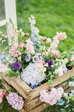 Astonishing Easter Flower Arrangement Ideas That You Will Love 16