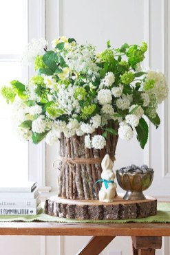 Astonishing Easter Flower Arrangement Ideas That You Will Love 26