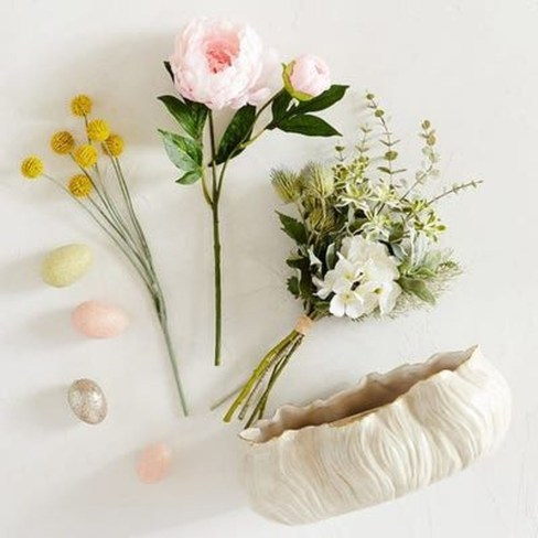 Astonishing Easter Flower Arrangement Ideas That You Will Love 29