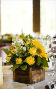 Astonishing Easter Flower Arrangement Ideas That You Will Love 41