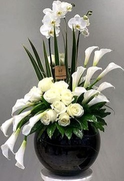 Astonishing Easter Flower Arrangement Ideas That You Will Love 47