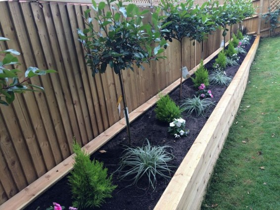 Beautiful Garden Fence Decorating Ideas To Follow 49