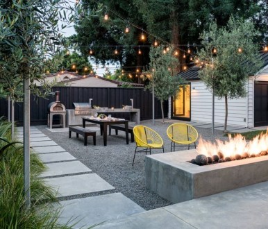 Comfy Spring Backyard Ideas With A Seating Area That Make You Feel Relax 17