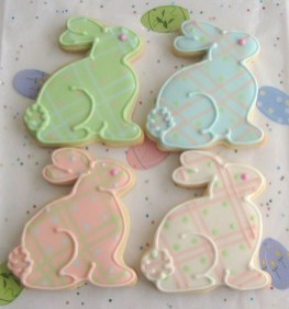 Cute Easter Bunny Decorations Ideas For Your Inspiration 03