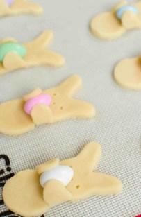 Cute Easter Bunny Decorations Ideas For Your Inspiration 28