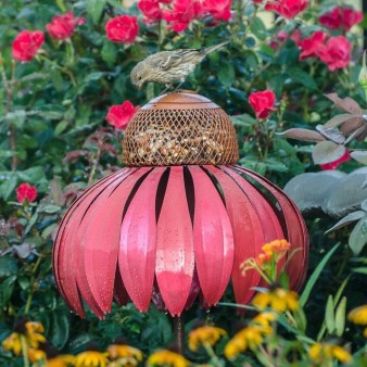 Cute Outdoor Garden Decoration Ideas You Will Love 41