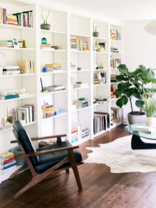 Fabulous Bookcase Decorating Ideas To Perfect Your Interior Design 41