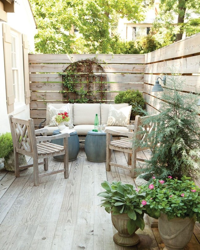 Favorite Outdoor Rooms Ideas To Upgrade Your Outdoor Space 31