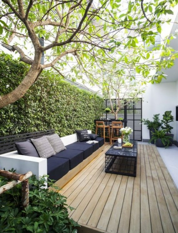 Favorite Outdoor Rooms Ideas To Upgrade Your Outdoor Space 42