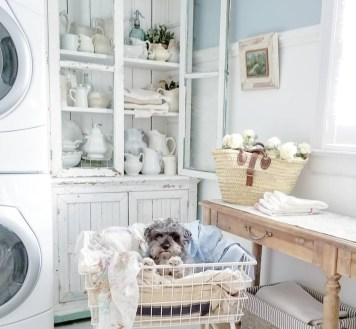 Inspiring Laundry Room Design With French Country Style 21