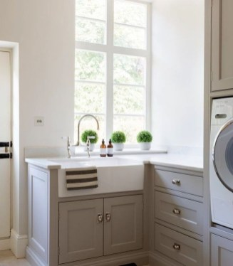 Inspiring Laundry Room Design With French Country Style 36