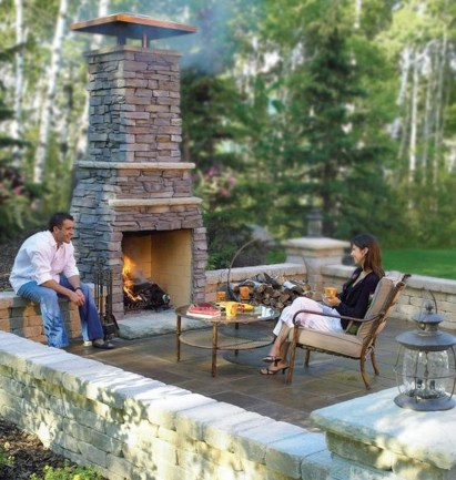 Marvelous Backyard Fireplace Ideas To Beautify Your Outdoor Decor 34