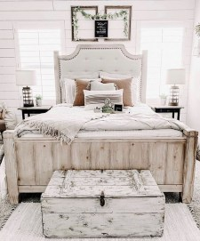 Perfect Choices Of Furniture For A Farmhouse Bedroom 12