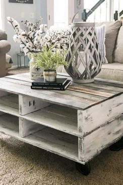 Rustic Farmhouse Table Ideas To Use In The Decor 17