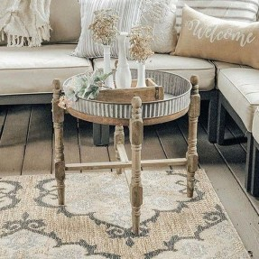 Rustic Farmhouse Table Ideas To Use In The Decor 28
