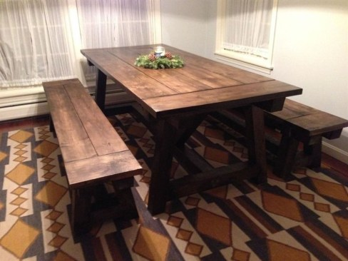 Rustic Farmhouse Table Ideas To Use In The Decor 34