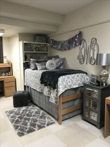 Splendid Dorm Room Ideas To Tare Room Decor To The Next Level 12