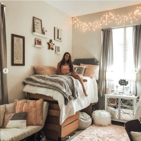 Splendid Dorm Room Ideas To Tare Room Decor To The Next Level 27