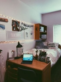Splendid Dorm Room Ideas To Tare Room Decor To The Next Level 30