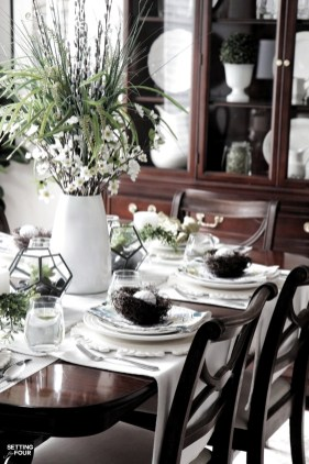 Adorable Spring Centerpieces Ideas For Dining Room Decor 09