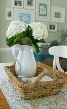 Adorable Spring Centerpieces Ideas For Dining Room Decor 17