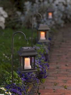 Creative Backyard Lighting Design Ideas That You Should Try 08