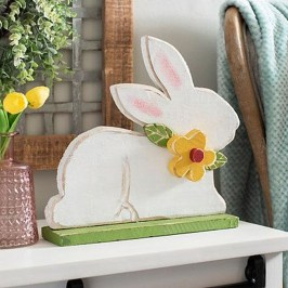 Gorgeous Outdoor Easter Decorations To Bedeck Your House In Style 25