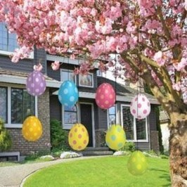 Gorgeous Outdoor Easter Decorations To Bedeck Your House In Style 28