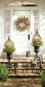 Gorgeous Outdoor Easter Decorations To Bedeck Your House In Style 37