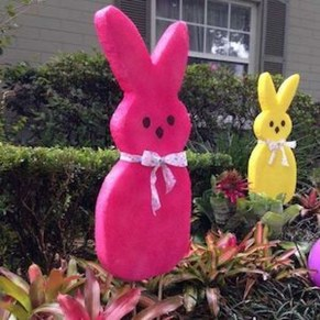 Gorgeous Outdoor Easter Decorations To Bedeck Your House In Style 50