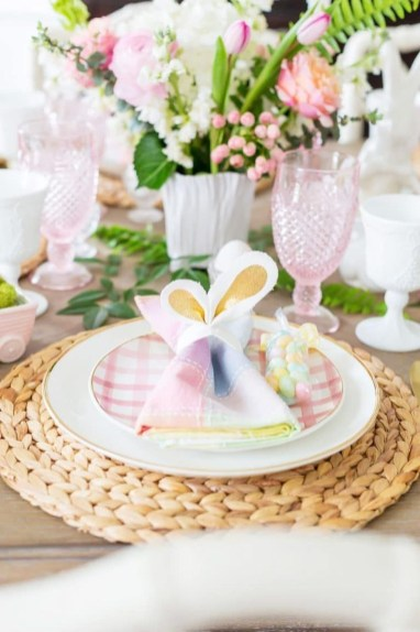 Marvelous Easter Tablescapes That Will Make Your Jaw Drop 11