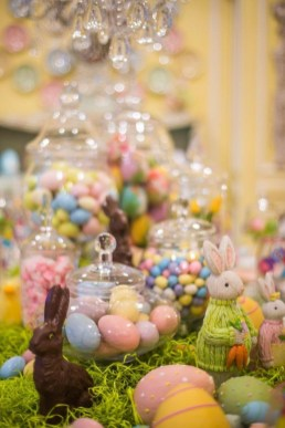 Marvelous Easter Tablescapes That Will Make Your Jaw Drop 20