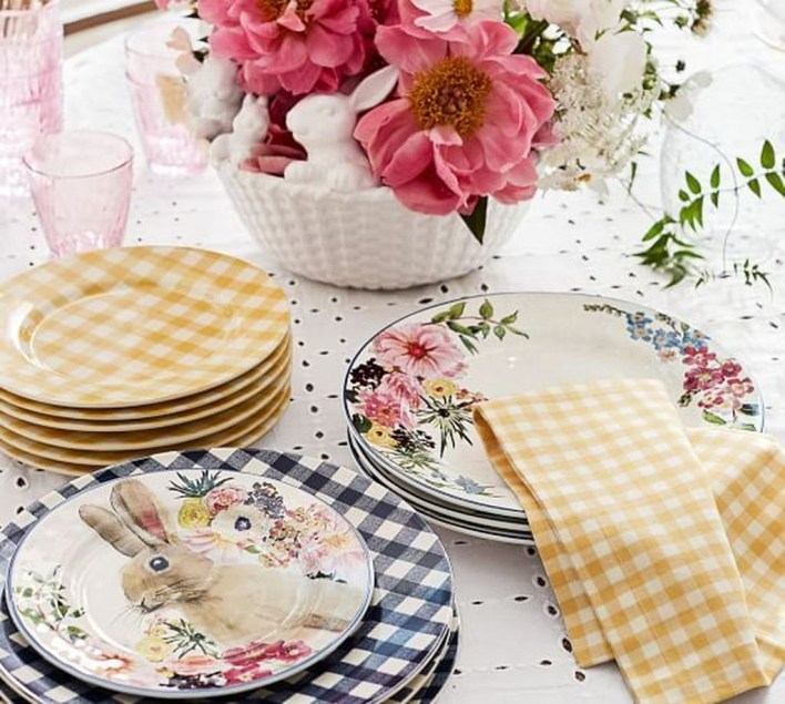 Marvelous Easter Tablescapes That Will Make Your Jaw Drop 41