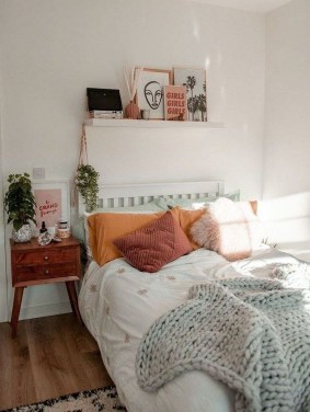 Minimalist And Simple Bedroom Decor Ideas That You Should Try 35