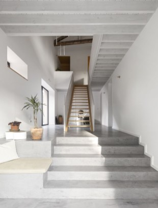 Perfect Home Stair Design With Light That Very Beautiful 49