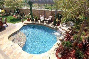 Simple Tiny Swimming Pool Ideas For Stunning Small Backyard 17