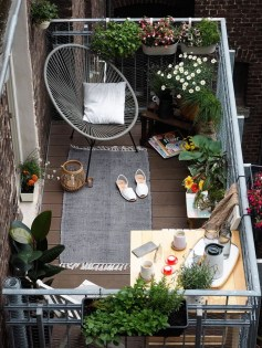 Small Balcony Ideas For A Relaxing Place Get Rid Of Saturation 41
